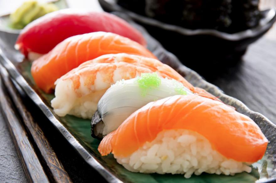 sushi bar einfach japanisch startseite. Black Bedroom Furniture Sets. Home Design Ideas